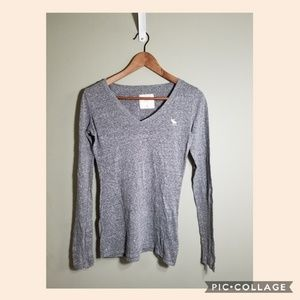 Abercrombie and Fitch gray v necking sleeve sz S